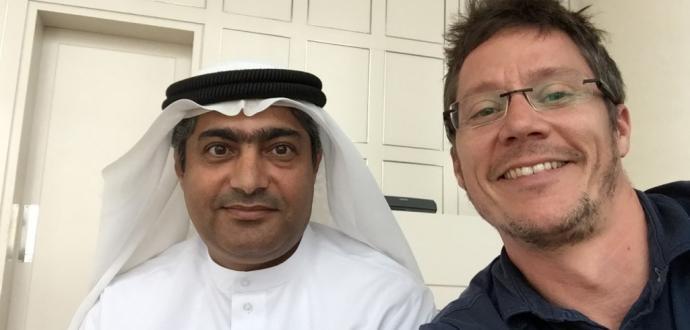 ناشط آيرلندي يتناول قصة الحقوقي الإماراتي أحمد منصور ويصفها بالصادمة