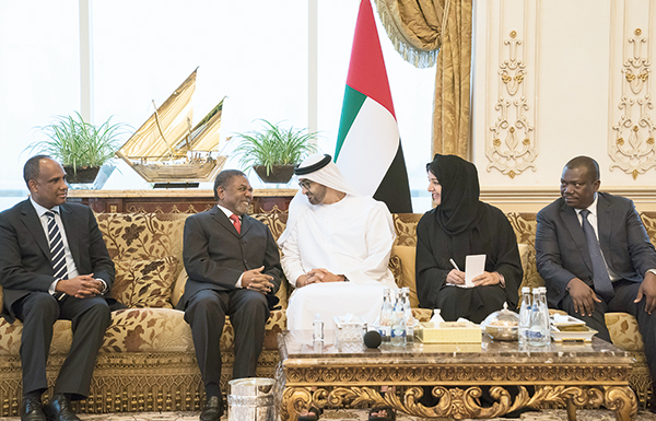 محمد بن زايد يستقبل كلاً من رئيس زنجبار ووزير الداخلية الإيطالي