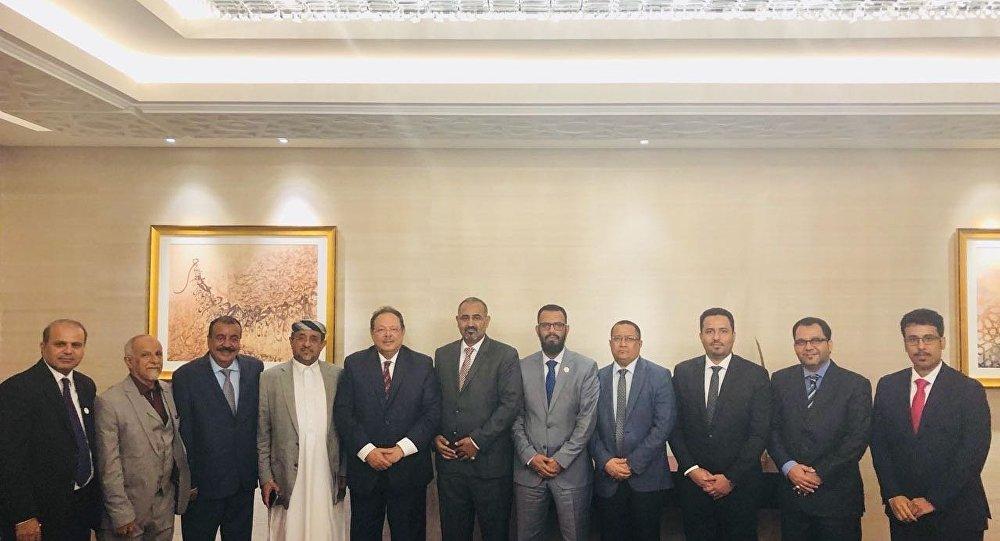 تحركات إماراتية لمنع انهيار المجلس الانتقالي الجنوبي في اليمن