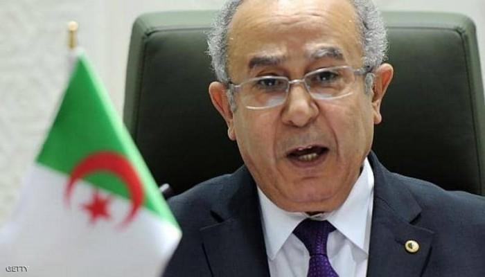لوموند: تحالف إقليمي تتصدره الإمارات ومصر عرقل تعيين الجزائري لعمامرة مبعوثاً لليبيا