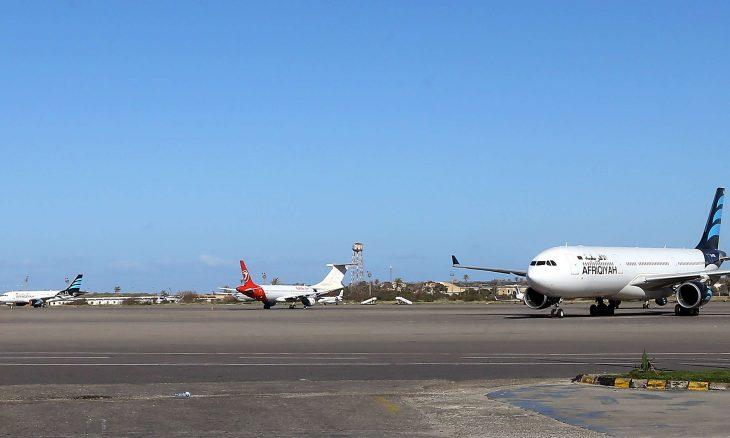 حكومة الوفاق الليبية: طيران إماراتي مسيّر يستهدف مطار معيتيقة بطرابلس