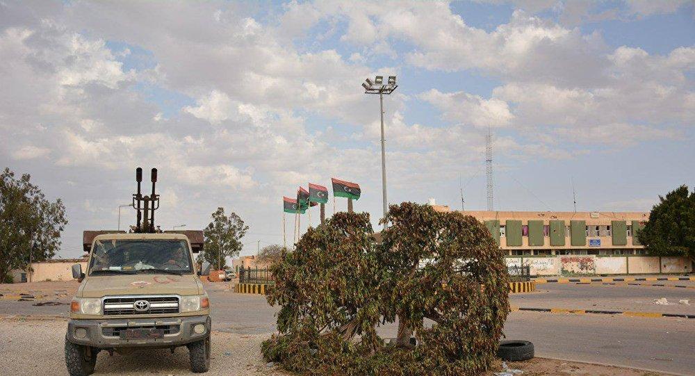 الليبيون يطالبون حكومة الوفاق بقطع العلاقات مع أبوظبي