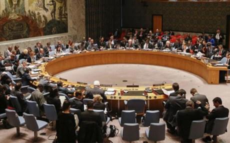 مجلس الأمن يتبنى نشر مراقبين دوليين في الحديدة لمراقبة الهدنة