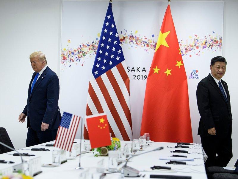مع تصاعد التوتر بين الولايات المتحدة والصين... أين تقف الإمارات من نزاع حليفيها ؟