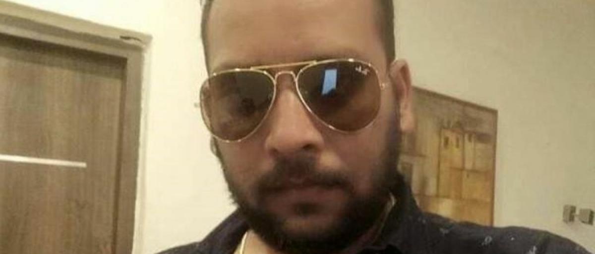 رجل أعمال هندي يحتال على 40 تاجرا بالإمارات بنحو 1.7 مليون دولار قبل فراره إلى بلاده