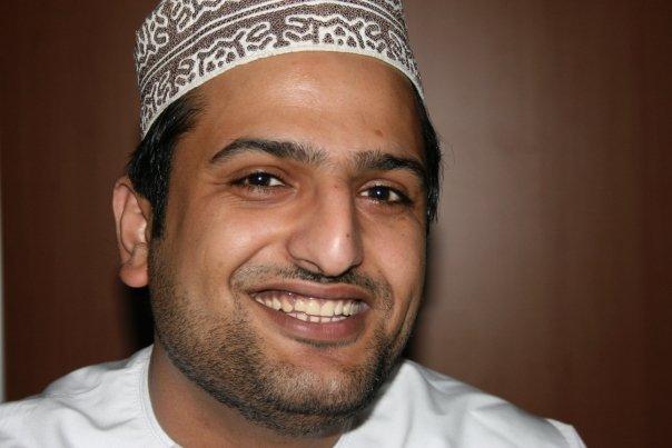 جهاز الأمن الإماراتي يعتقل صحافي عُماني على الحدود مع السلطنة